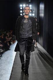 FW13-Milan-Mens-Black-Gold-catwalk-32
