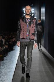 FW13-Milan-Mens-Black-Gold-catwalk-08