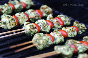 Pesto-chicken-and-tomato-skewers