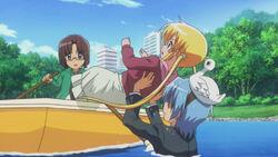 Hayate catching Nagi