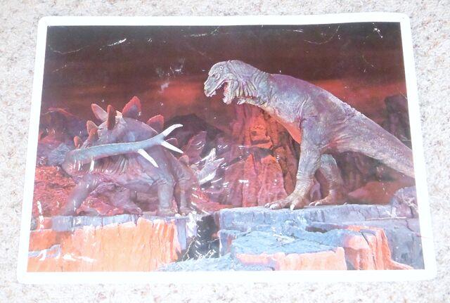 File:Primeval World T-Rex and Stegosaurus card front.jpg