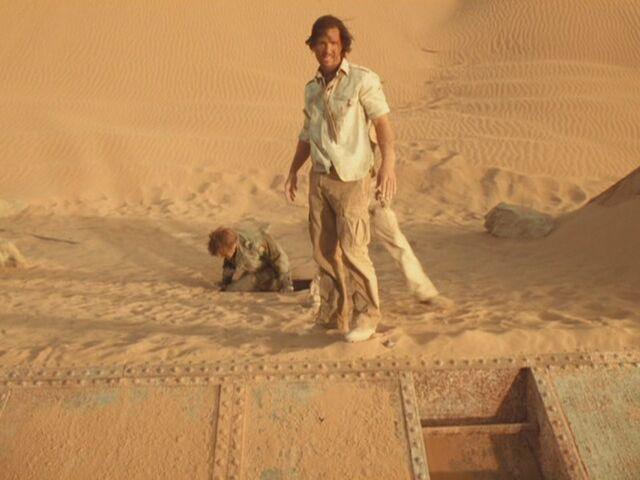 File:Matthew-McConaughey-in-Sahara-matthew-mcconaughey-13863540-1067-800.jpg