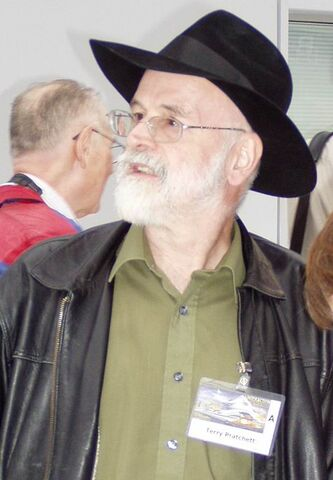 File:Terry Pratchett 2005.JPG
