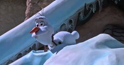 OlafAA Disneyland