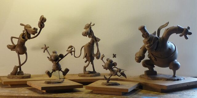 File:MickeyMaquettes.jpg