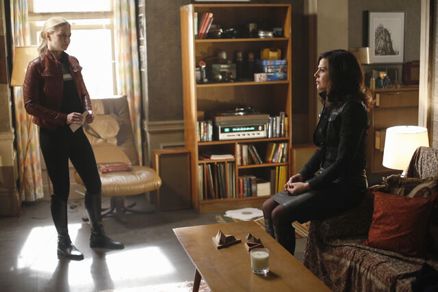 File:Once Upon a Time - 5x22 - Only You - Released Images - Emma and Regina 4.jpg
