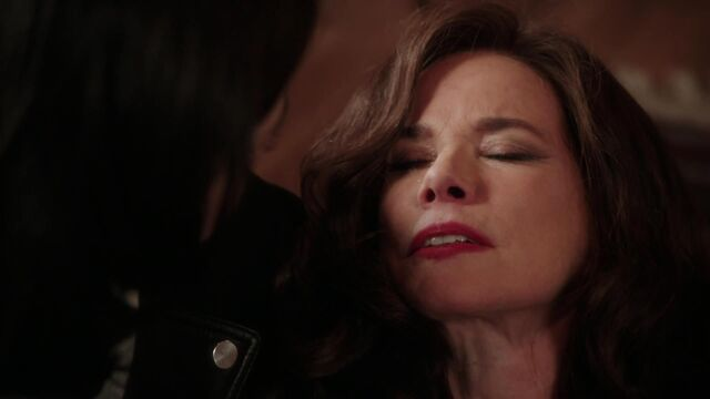 File:Once Upon a Time - 2x16 - The Miller's Daughter - Cora Dying 3.jpg