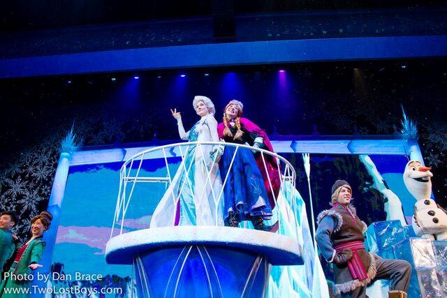 File:Frozen A Sing-Along Celebration Shanghai.jpg