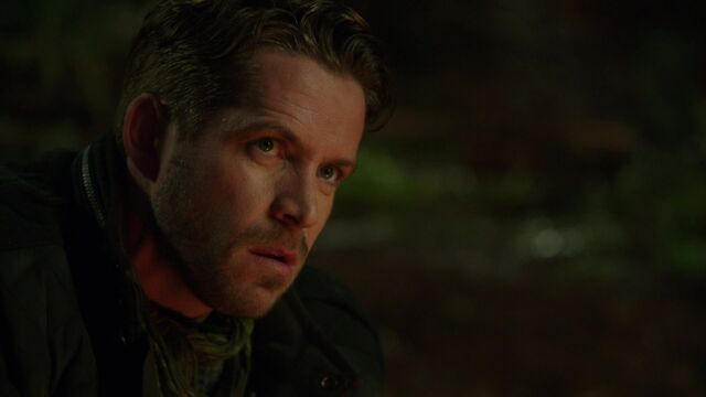 File:Once Upon a Time - 3x18 - Bleeding Through - Robin Hood.jpg