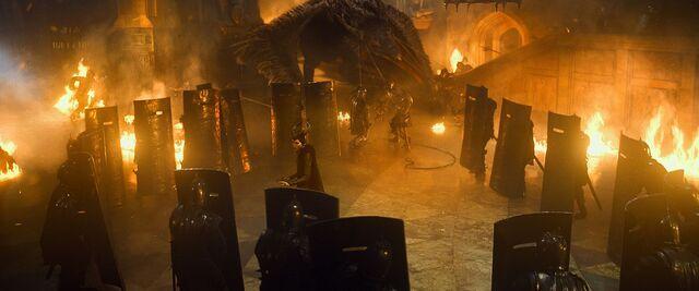 File:Maleficent-(2014)-352.jpg