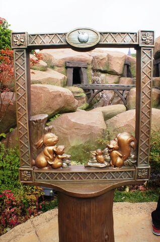 File:Fairy Tale Forest Photo Frame 02.jpg