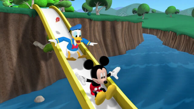 File:Mickey, donald and baby red bird slide on the slide.jpg