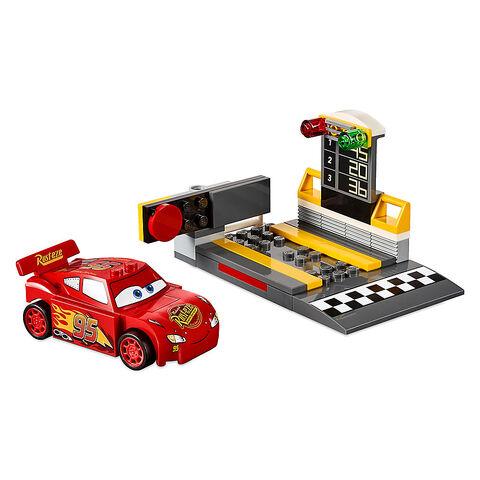 File:Lightning McQueen Speed Launcher Playset by LEGO Juniors - Cars 3.jpg