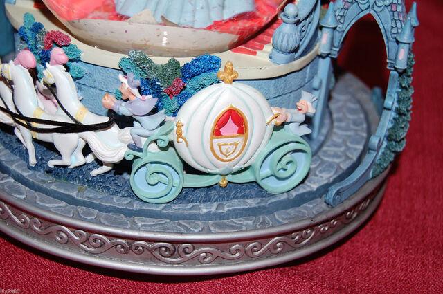 File:Disney Cinderella Snowglobe This is Love Musical Light Up Slipper Rare-3.jpg