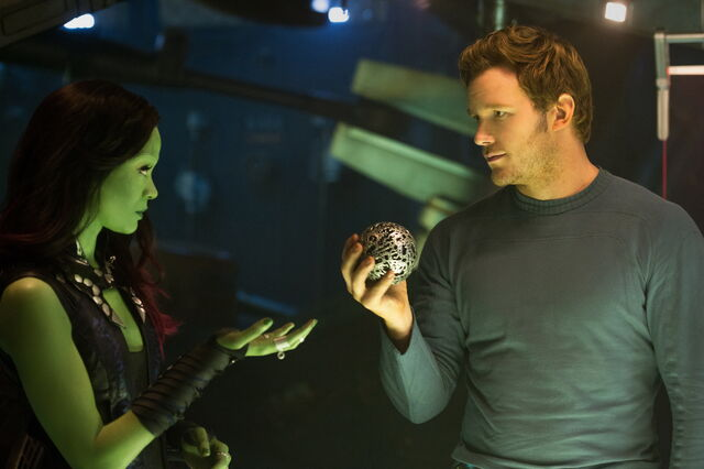 File:Starlord and Gamora with an Infinity Stone.jpg