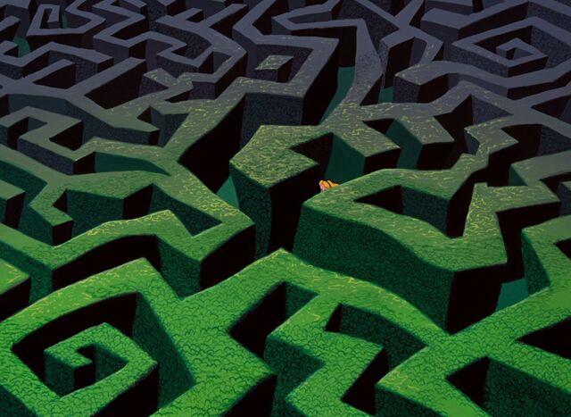 File:Wonderland Maze.JPG