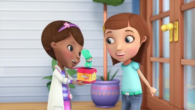 File:Doc-McStuffins-Season-1-Episode-2-Out-of-the-Box--Run-Down-Race-Car.jpg