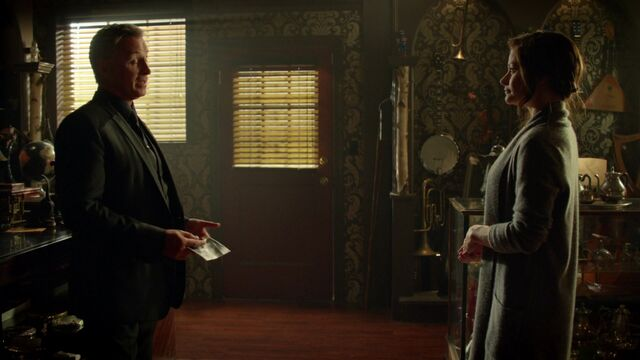 File:Once Upon a Time - 6x07 - Heartless - Gold and Belle.jpg