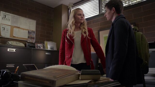 File:Once Upon a Time - 6x20 - The Song in Your Heart - Emma and Henry.jpg