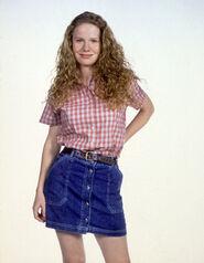 Amy Szalinsky (Hillary Tuck)
