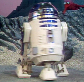 File:R2D2 muppet show.jpg