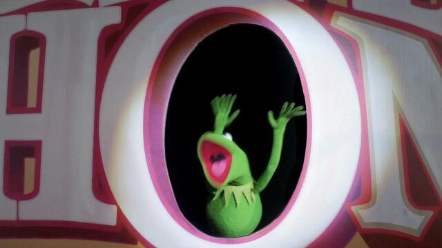 File:MuppetsBeingGreenTeaser12.jpg