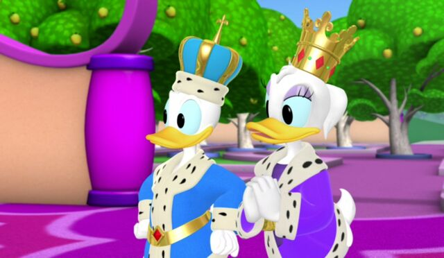 File:PlutosTale - King Donald and Queen Daisy.jpg