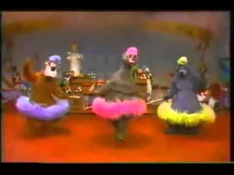 File:Bear ballerinas.jpg