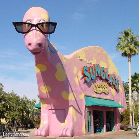 File:Dinosaur Jack's Sunglass Shack.jpg