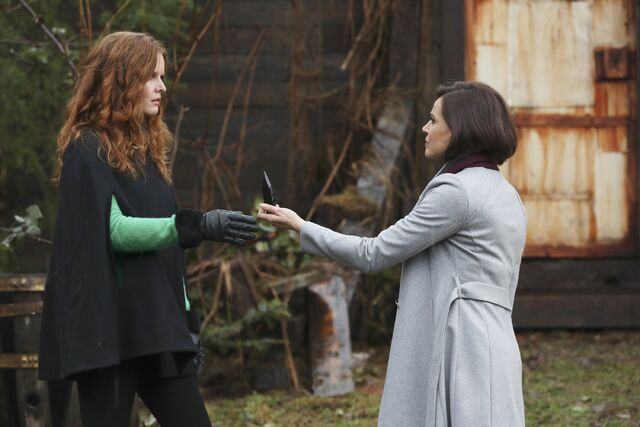 File:Once Upon a Time - 6x18 - Where Bluebirds Fly - Photography - Regina and Zelena.jpg