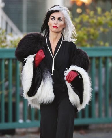 File:Victoria Smurfit Cruella De Vil 2.jpg