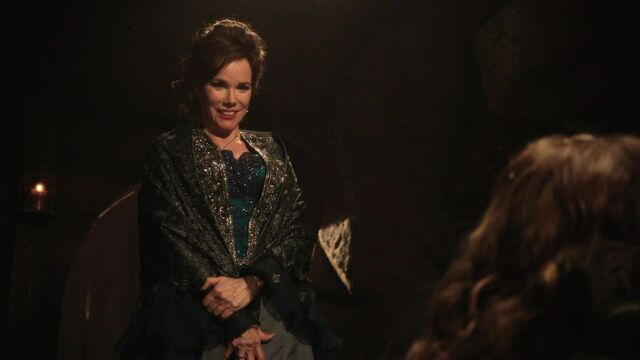 File:Once Upon a Time - 2x08 - Into the Deep - Cora taunts Aurora.jpg