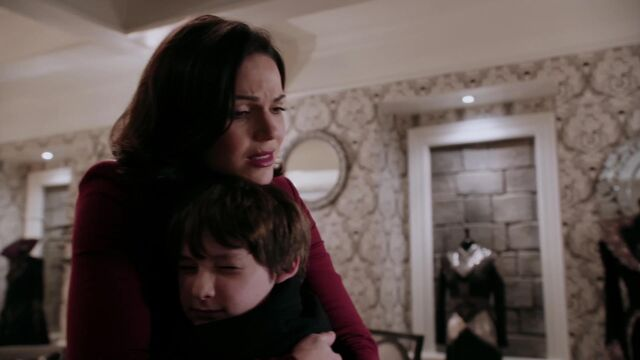 File:Once Upon a Time - 2x12 - In the Name of the Brother - Regina with Cora.jpg