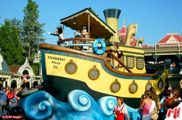 File:The Wonderful World of Disney Parade.jpg