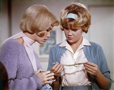 File:Untitled Patti Randall, and Her sister.png