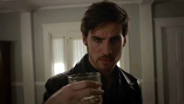 File:Once Upon a Time - 5x02 - The Price - Hook's Drink.jpg