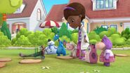 Doc-McStuffins-Season-3-Episode-11-Itty-Bitty-Bess-Takes-Flight--Boxed-In