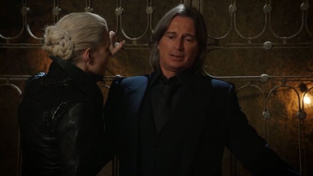 File:Once Upon a Time - 5x04 - The Broken Kingdom - Intimidate.jpg