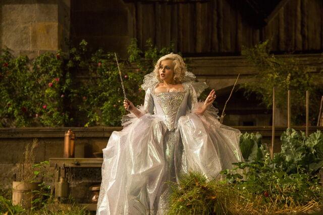 File:Cinderella 2015 48.jpg