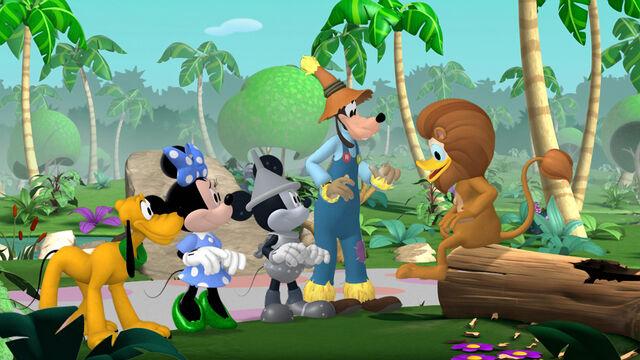 File:Mickey-Dizz.jpg