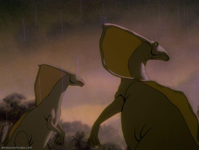 File:2 Parasaurolophus looking.JPG
