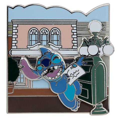 File:Stitch Pin Main Street Opera House.jpg