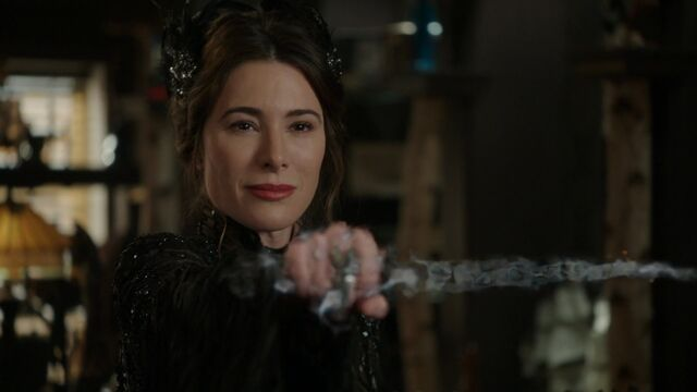 File:Once Upon a Time - 6x17 - Awake - Black Fairy Magicking Dagger.jpg