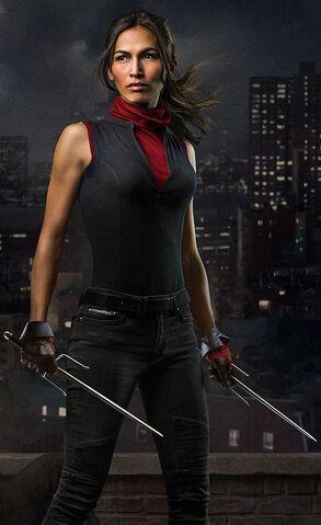 File:Daredevil Season 2 Elektra.jpg