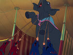 Dumbo-disneyscreencaps.com-2144