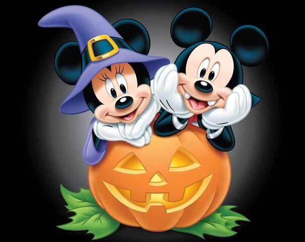 File:Mickey and Minnie Halloween.jpg