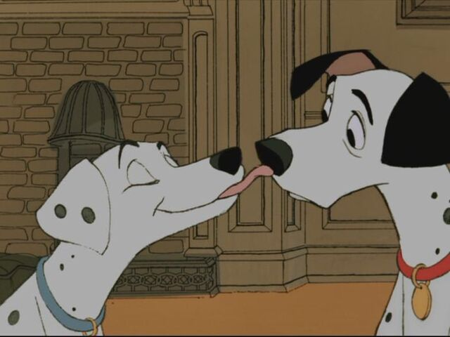 File:Pongo and perdy kiss.jpg
