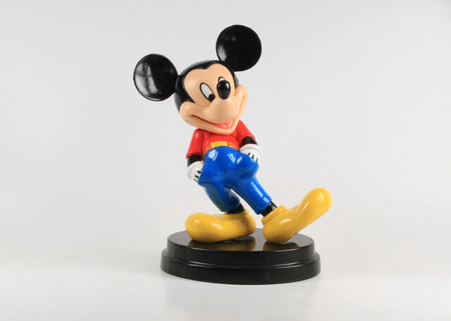 File:Disney Parade 1. Mickey Mouse (red shirt and blue pants).JPG