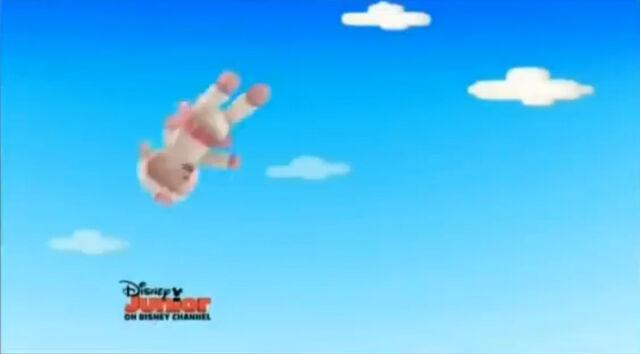 File:Lambie in the sky.jpg