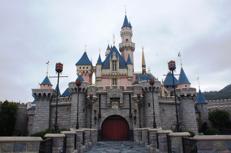 image - sleeping beauty castle of hong kong disneyland